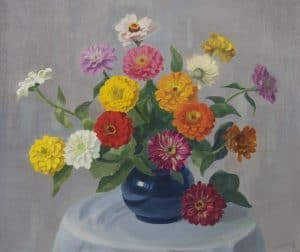 Dirk Smorenberg | Kleurrijke zinnia's in een blauwe vaas